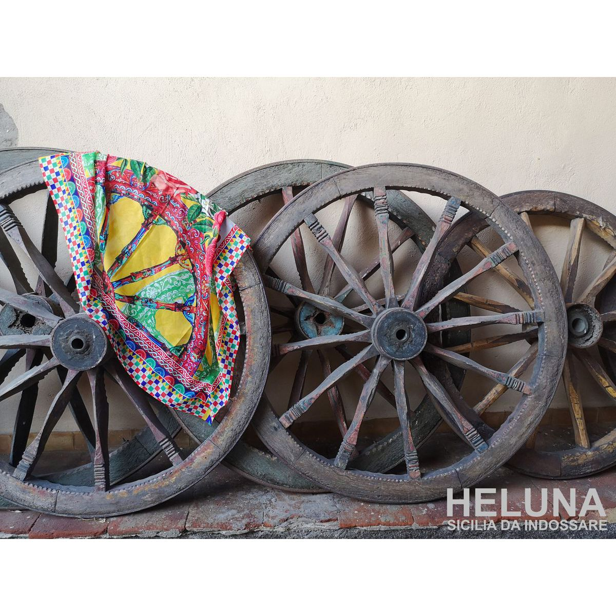 WHEELS OF THE SUN Green HELUNA